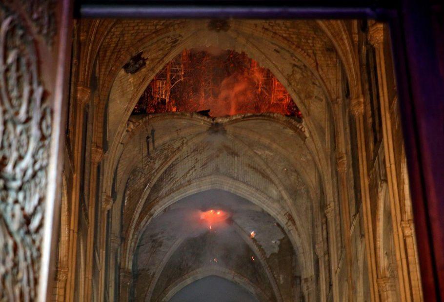 Украина предоставит своих мастеров для реставрации собора Парижской Бого...