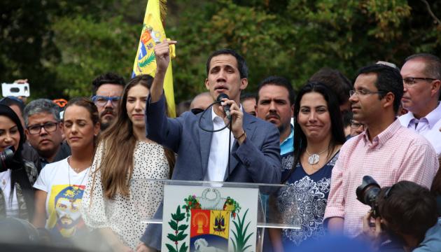 Госдеп: 54 страны признали  Хуана Гуадо законным лидером Венесуэлы