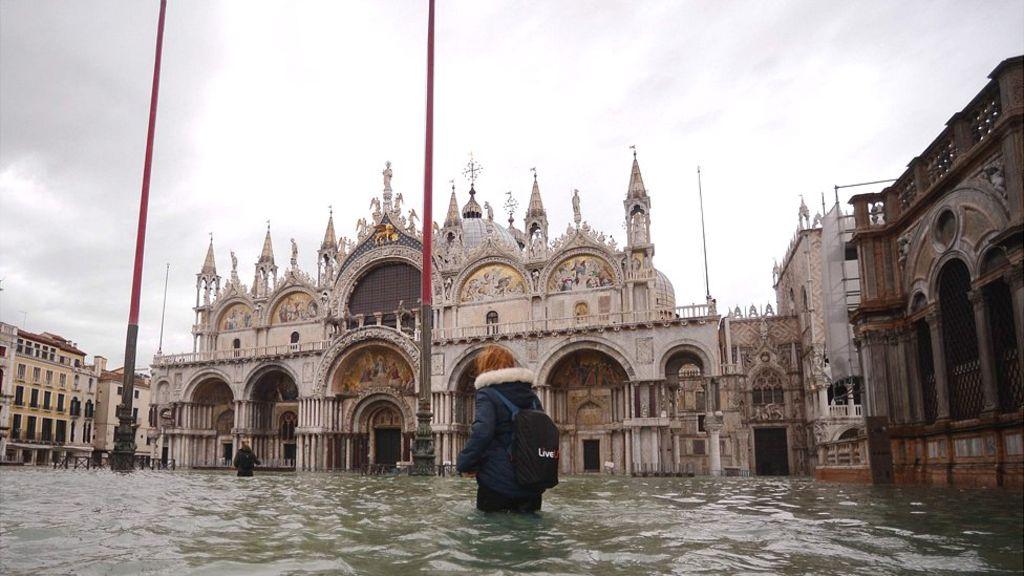 Затопленную Венецию накрыло еще одной приливной волной
