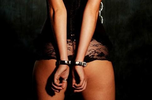 Операция по задержанию проституток в столичном клубе River Palace оберну...