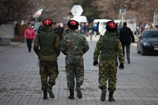 Коронавирусный патруль: в Екатеринбурге казаки ищут чихающих китайцев