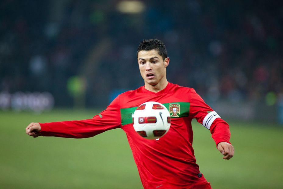 Хет-трик Роналду выводит Португалию в первый финал Лиги наций УЕФА