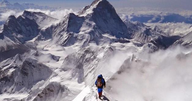 В Канаде из-за схода лавины погибли 3 альпиниста