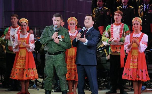 ЕС ввел санкции против Кобзона, Гиви, Моторолы и российских военных