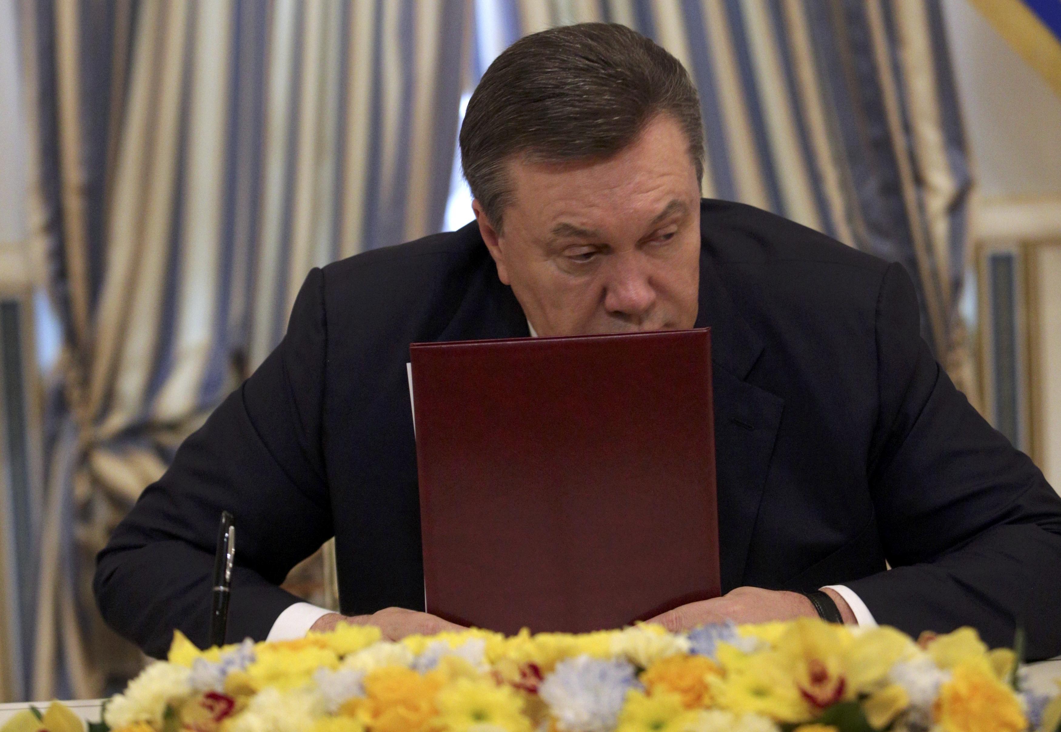 В России отказались комментировать гражданство Януковича
