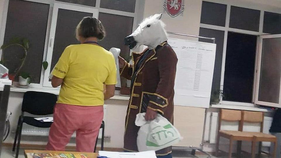 В Ялте на выборы пришел