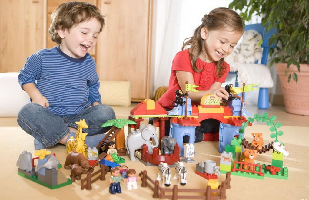 Карантин объединяет. Компания LEGO заработала на пандемии коронавируса