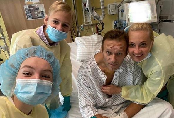"""У Навального рассказали, где нашли отравивший его """"Новичок"""""""