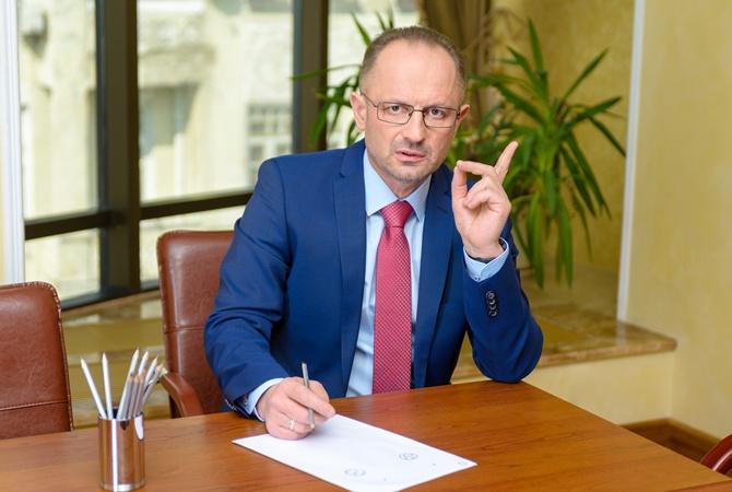 Украина должна была приостановить участие в минском процессе после гибел...