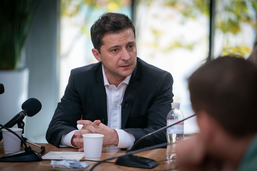 Зеленский поручил к концу года решить проблему коррупции в градостроител...