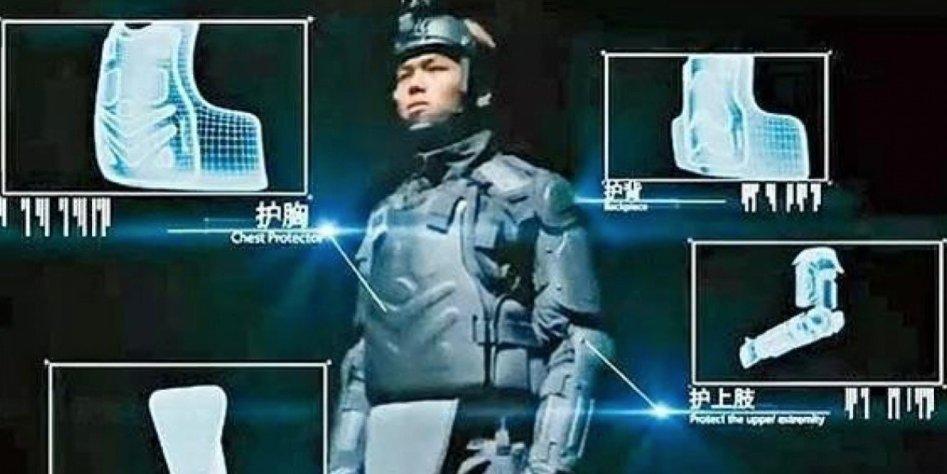 """Полицейские в Гонконге в виде """"робокопов"""" будут бороться с протестующими"""