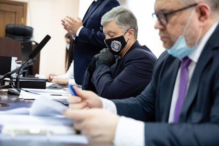 Прокуратура отозвала ходатайство об избрании Порошенко меры пресечения