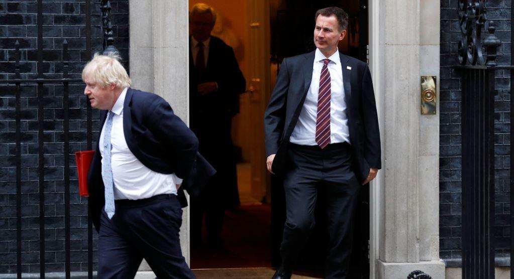 Выборы в Британии. Стали известны имена двух финалистов