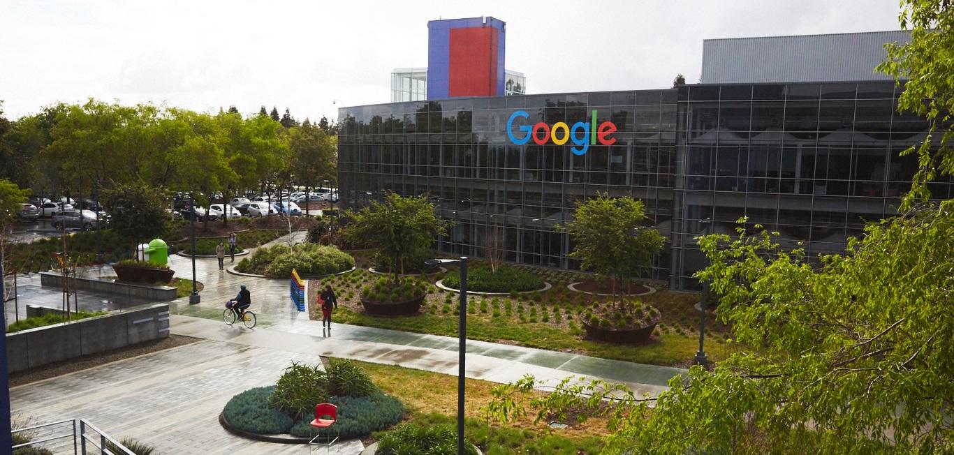 Из угла в Google. Как гаражная компания за 20 лет подчинила интернет