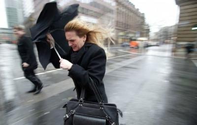 В Украине из-за ветра объявили оранжевый уровень опасности