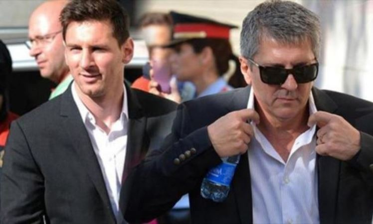 """Отец Месси договорился с """"Барселоной"""" об уходе сына из клуба всего за €1..."""