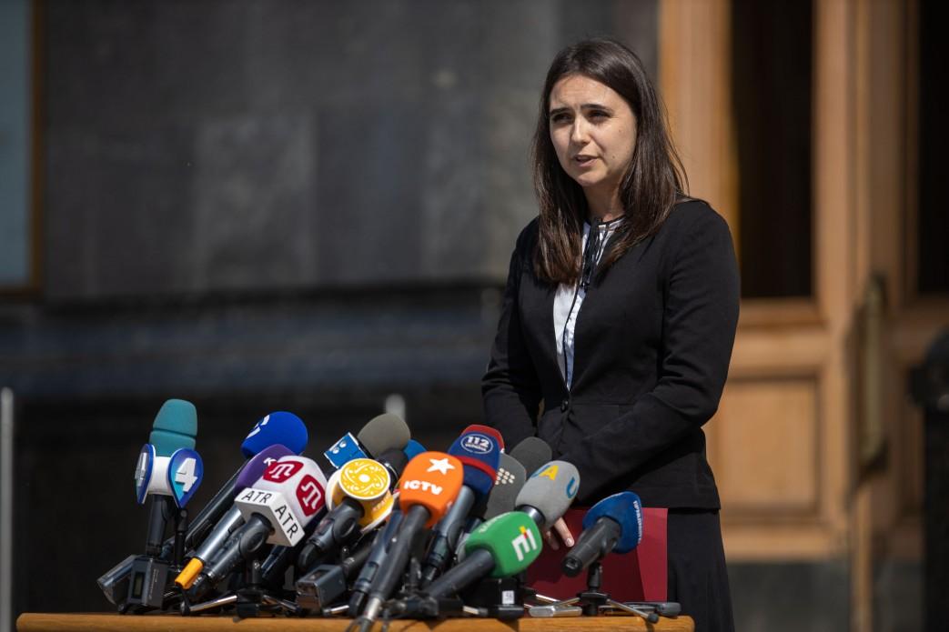 """Мендель в ответ на жалобы журналистов рассказала о правиле """"нет"""" в США"""