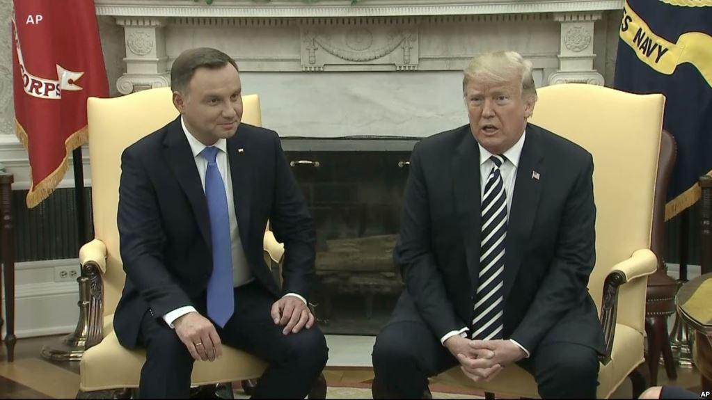 """Польша предлагает США свою территорию под постоянную базу """"Форт Трамп"""""""