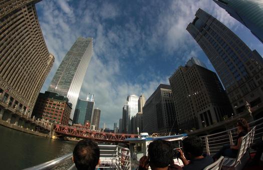 В самом опасном для жизни городе США растут продажи роскошной недвижимос...
