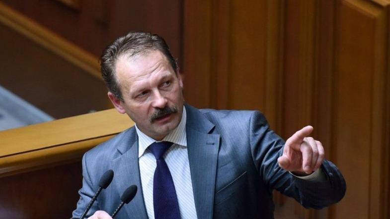 Народный депутат от БПП набросился с кулаками на представителя Зеленског...