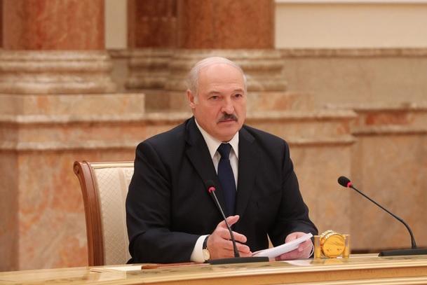 Лукашенко: не дам порвать на куски Беларусь, как порвали Украину