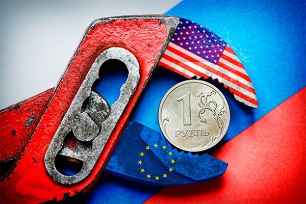 """В России убеждают, что страна уже """"почти не чувствует"""" влияния санкций"""