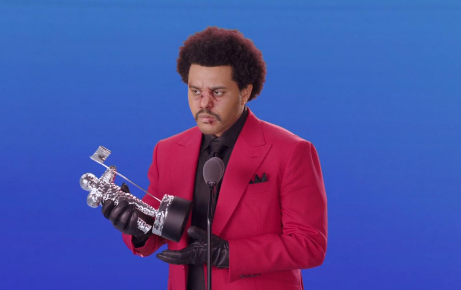 Обошел Леди Гагу. Исполнитель The Weeknd получил главный приз MTV Video...