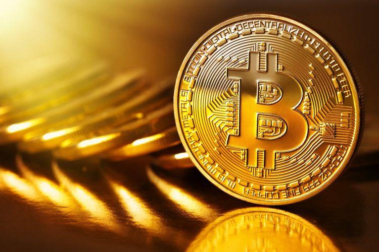 Один Bitcoin стоит $12000