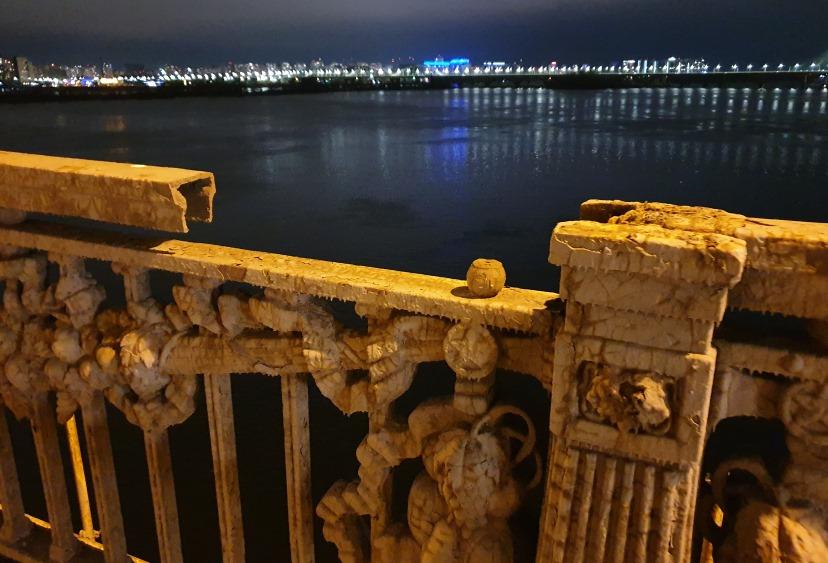 """""""Мосту Патона очень плохо"""": парапет в ужасном состоянии, отсутствуют цел..."""