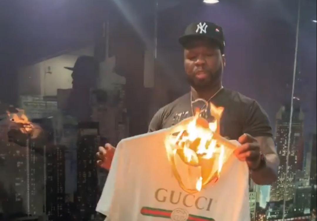 Рэпер 50 Cent спалил свою футболку Gucci из-за расистского скандала