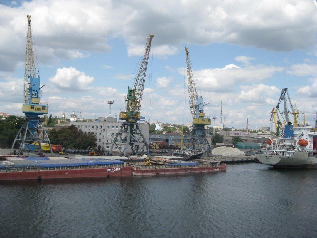 Украина впервые передала в концессию морской порт – договор подписан