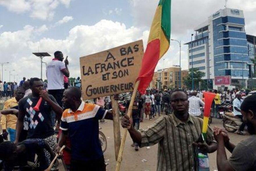 В Мали военные арестовали президента и премьера страны