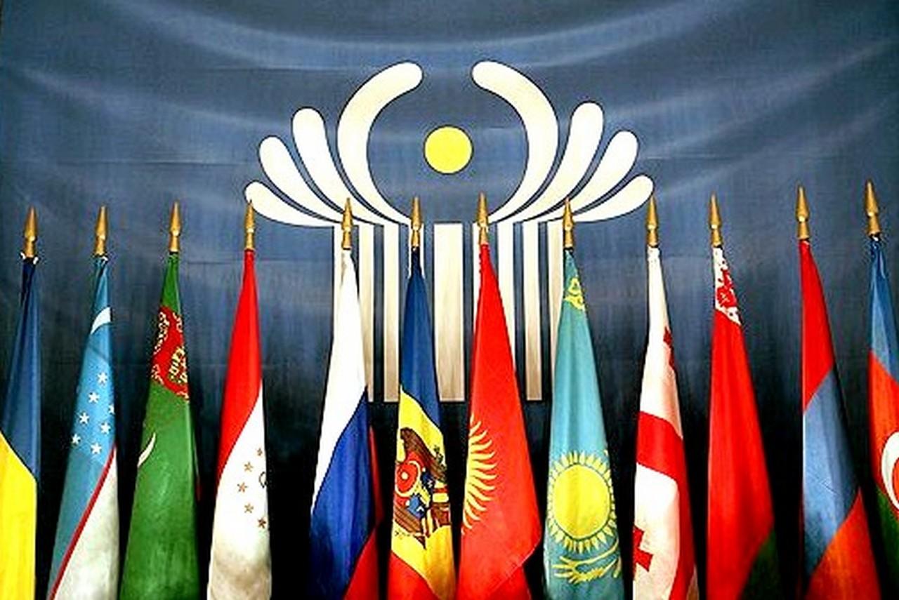 Слово из трех букв. Украина готовится окончательно порвать отношения с С...