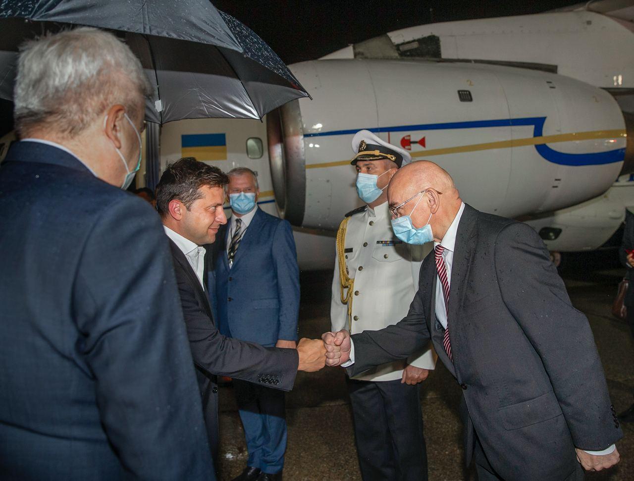 Зеленский прибыл в Словакию с официальным визитом
