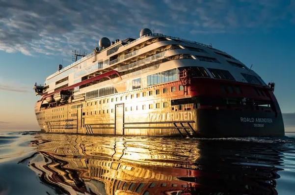 На круизном лайнере в Норвегии вспышка COVID-19: не менее 40 инфицирован...