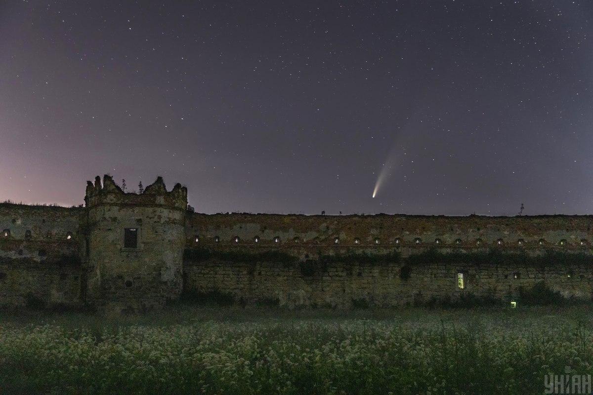 До встречи через 6800 лет. Под Львовом заметили уникальную комету Неовай...