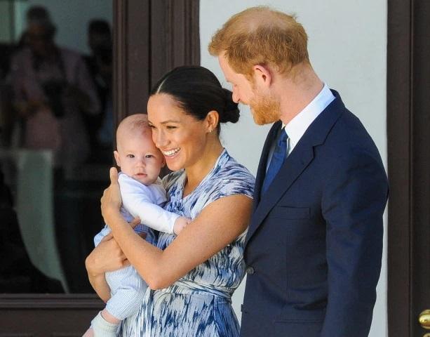 Сбежавший из Британии: где принц Гарри с семьей отметил Рождество
