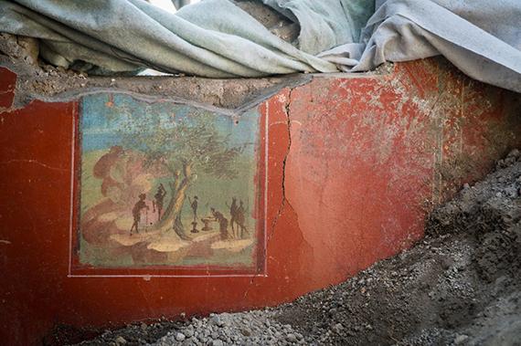 """В Помпеях раскопали древнеримский дом в """"винтажном"""" стиле"""