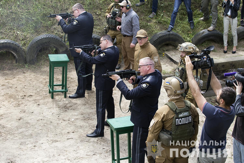 В МВД рассказали о преимуществах нового оружия Нацполиции