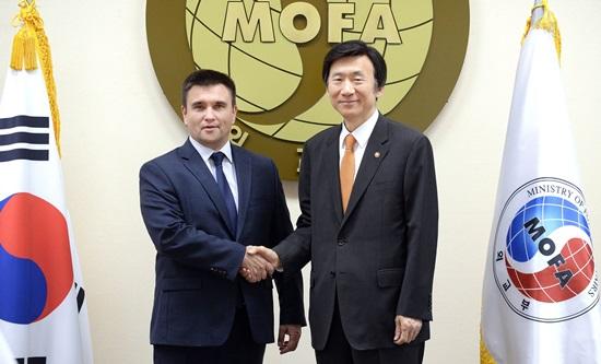 Климкин предложил южнокорейскому коллеге отменить визы для украинцев