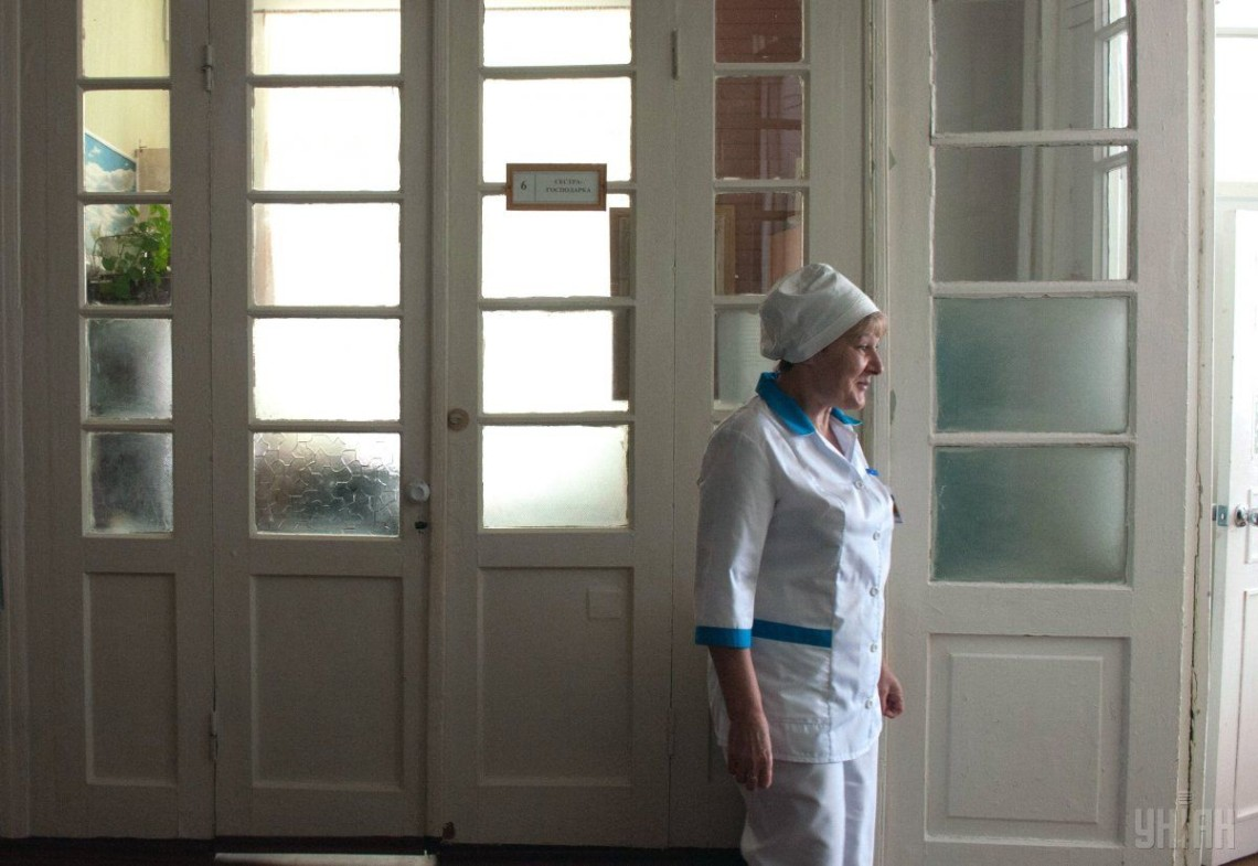 В Ивано-Франковске госпитализировали женщину, чтобы проверить на коронав...