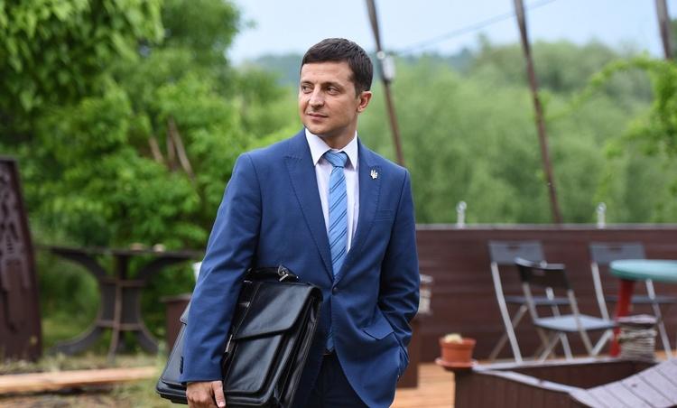"""На российском ТВ передумали показывать """"Слугу народа"""" с Зеленским в глав..."""