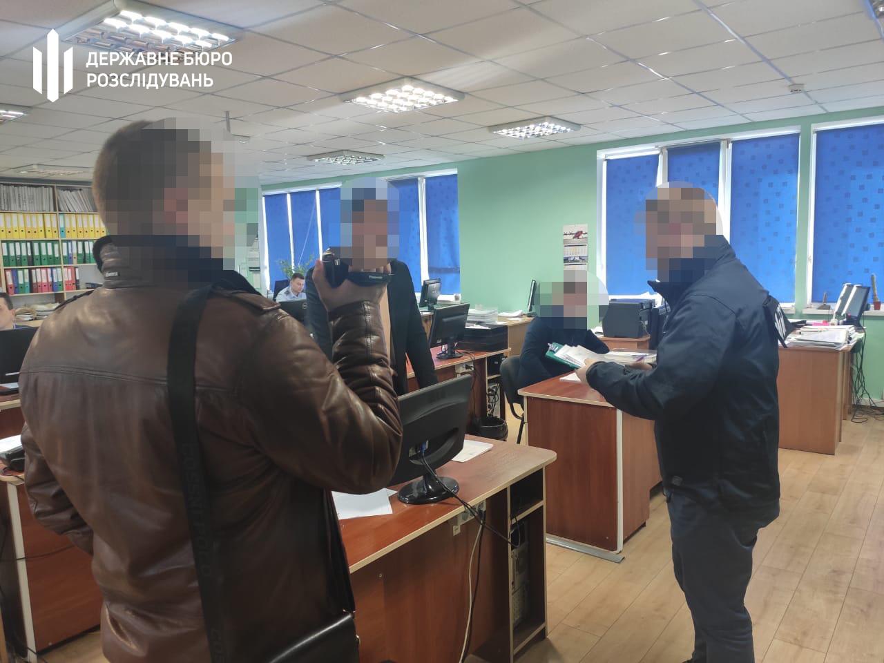 ГБР провела обыски на Подольской и Полесской таможнях