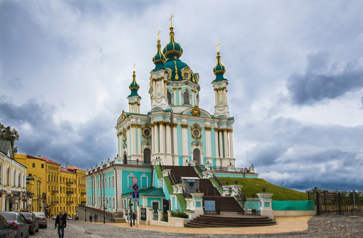 Кабмин передал Вселенскому патриархату Андреевскую церковь