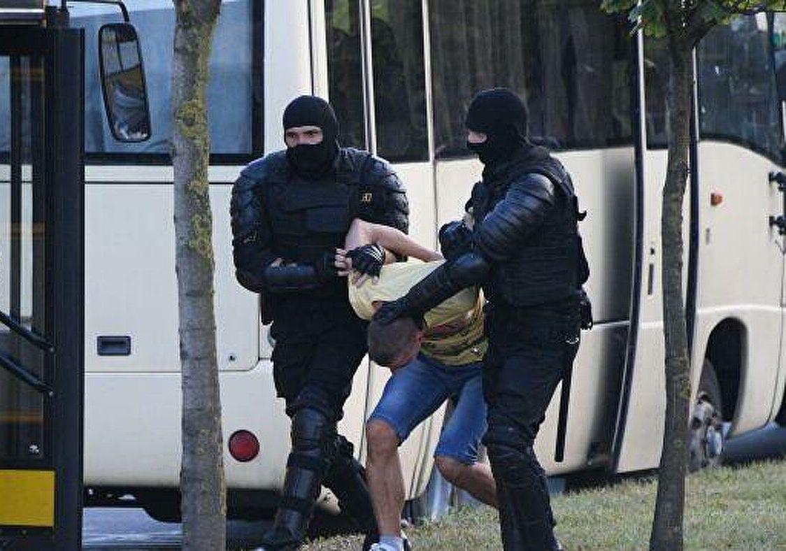Первый список арестованных в Минске: свыше 500 человек за день