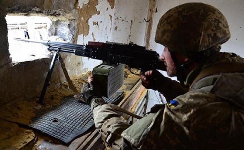 От Николаевки до Новолуганского: за сутки на Донбассе 13 обстрелов