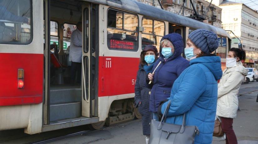 """В Украине будет """"адаптивный карантин"""", а маски и дезинфекторы никуда не..."""