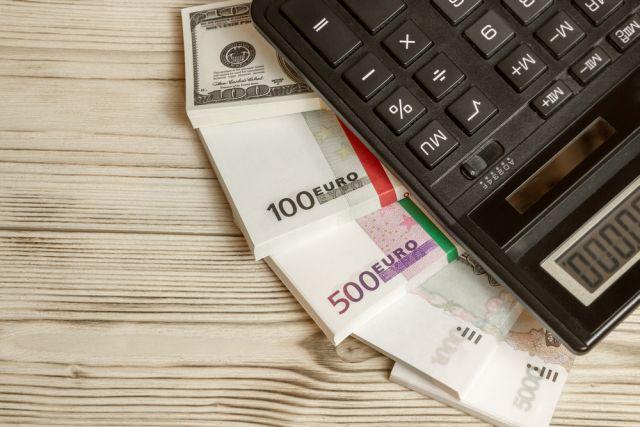 Украинцы в ноябре купили в банках более миллиарда долларов