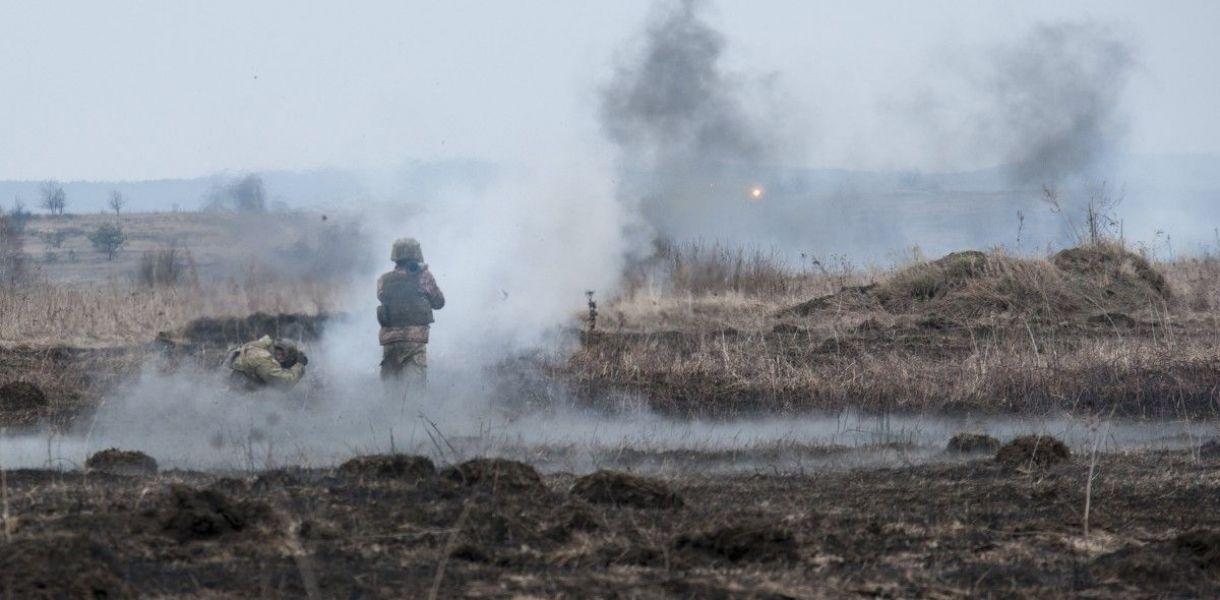 Обострение на Донбассе: пятеро военнослужащих ранены