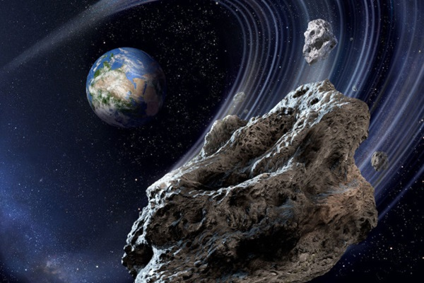 Ниже спутников. На рекордном расстоянии от Земли пронесся никем не замеч...